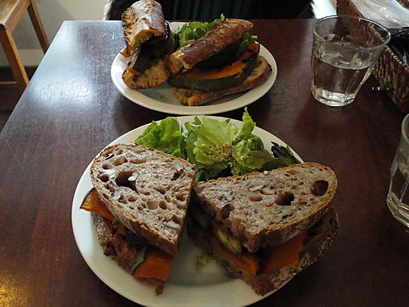 パーラーの野菜サンド&パウンドケーキ_e0230011_1745986.jpg