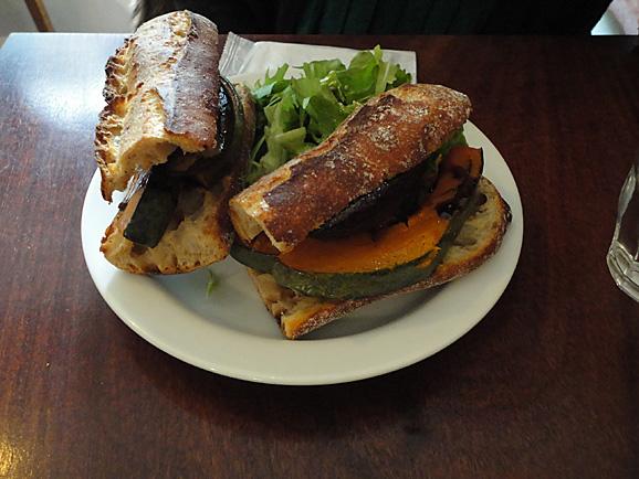 パーラーの野菜サンド&パウンドケーキ_e0230011_1752167.jpg
