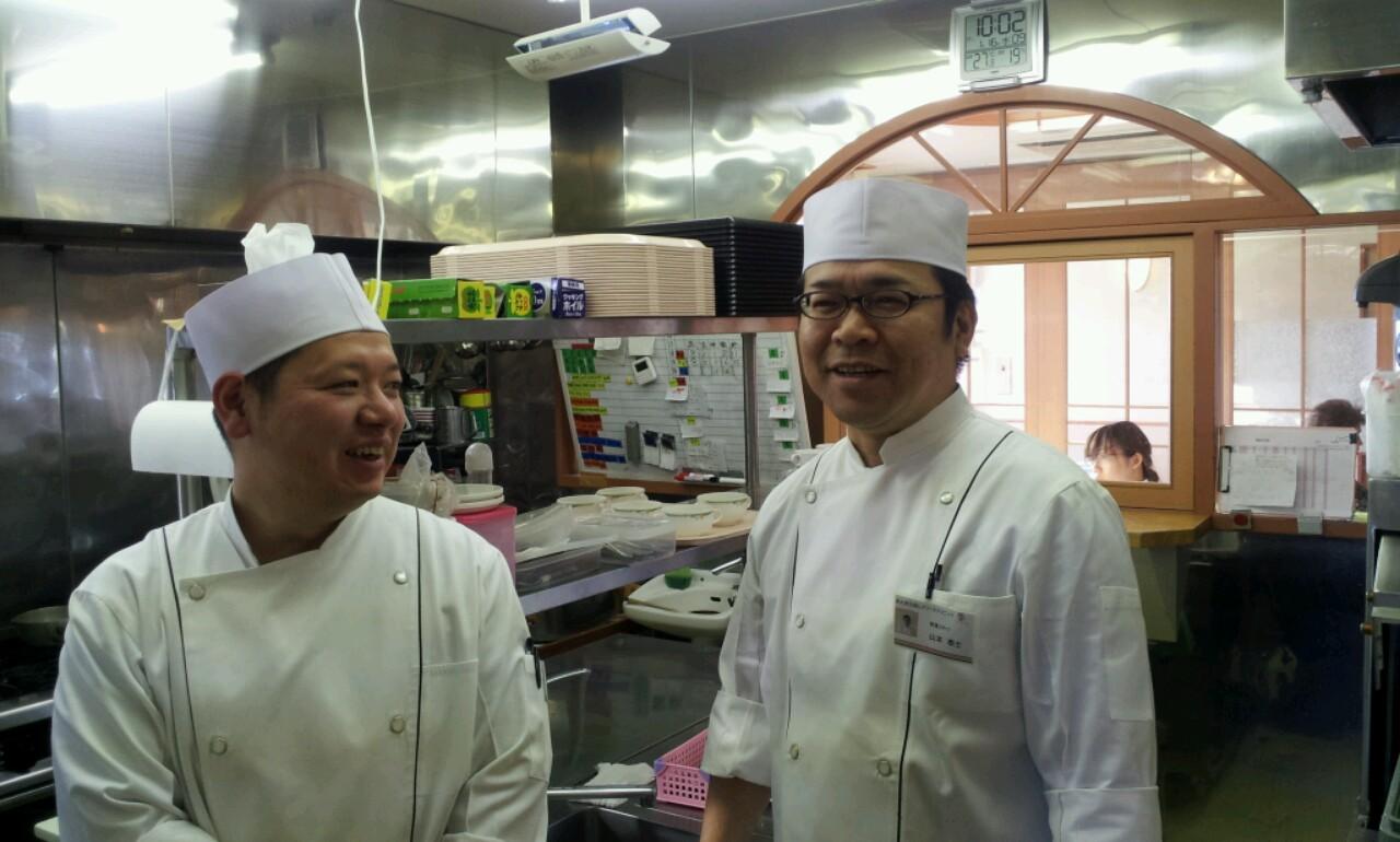 厨房スタッフです。_b0251421_15403727.jpg
