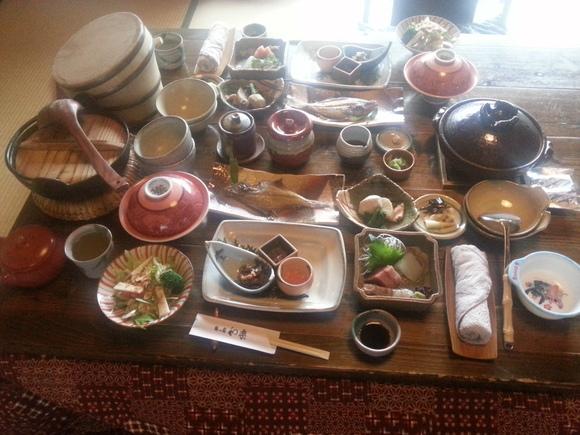 丹後半島紀行~旅館の朝食ってなんであんなに美味しいんだろう~_b0226322_1556459.jpg