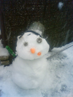 癒しの雪だるま。_b0192257_22443638.jpg