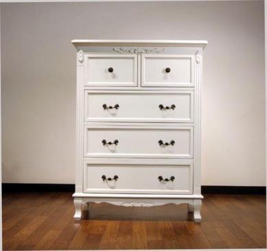 エレガントなホワイトカラーの輸入家具ご紹介~_f0029571_16415545.jpg