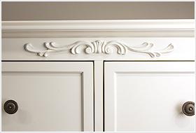 エレガントなホワイトカラーの輸入家具ご紹介~_f0029571_17103765.jpg