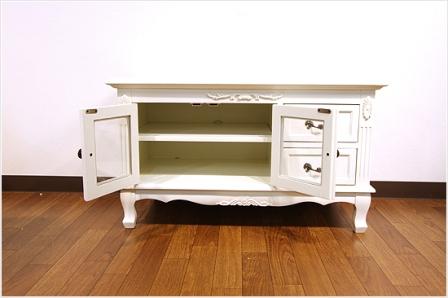 エレガントなホワイトカラーの輸入家具ご紹介~_f0029571_17401887.jpg