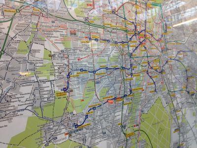 地下鉄で展示会場へ_e0054299_9114787.jpg