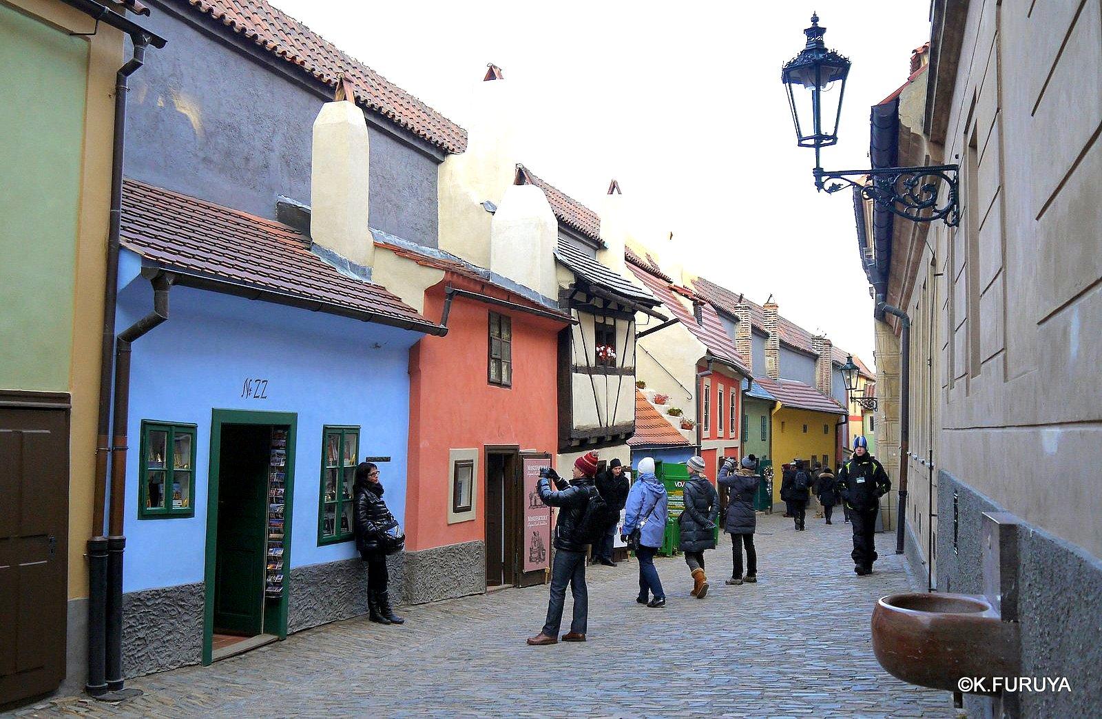 プラハ 4 プラハ城 黄金の小路_a0092659_20454672.jpg