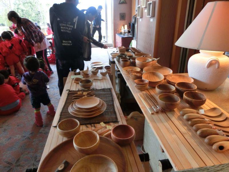若手アーティストクラフト展「伊豆互展」へ園外保育に行ってきました!_b0188106_21504667.jpg