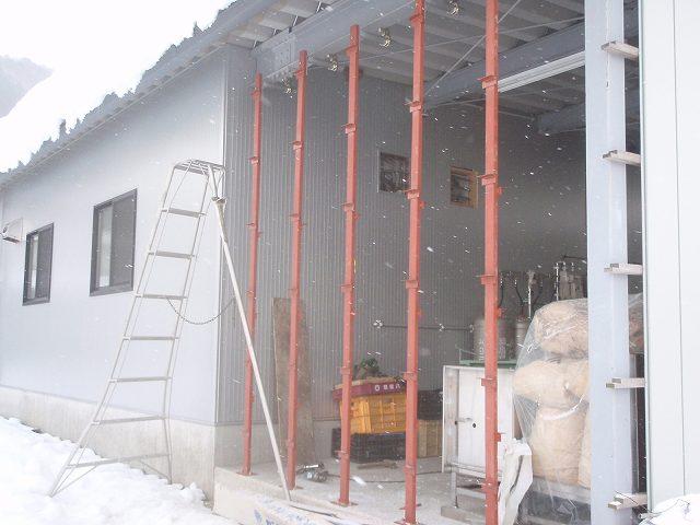 加工所下屋の壁が出来上がりました。_a0256619_20524580.jpg
