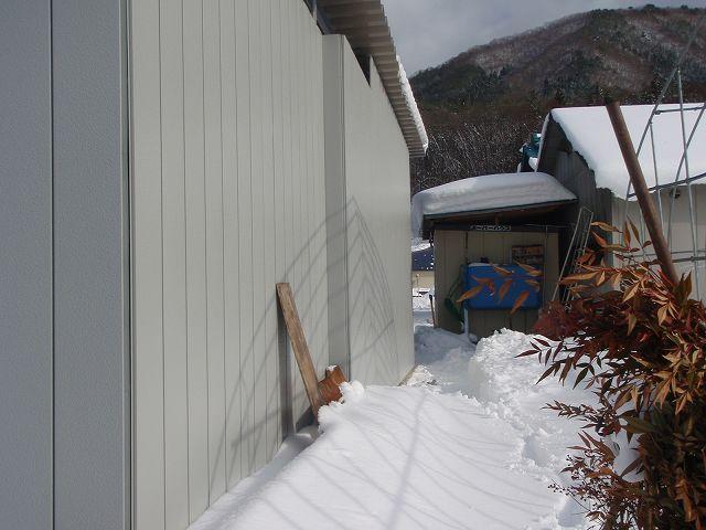 加工所下屋の壁が出来上がりました。_a0256619_20541999.jpg