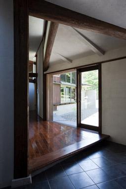 """新建築「住宅特集」1月号に """"風の家"""" が掲載されました_f0001829_13283251.jpg"""