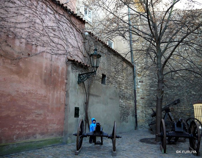 プラハ 4 プラハ城 黄金の小路_a0092659_13581441.jpg