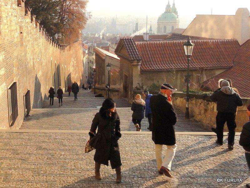 プラハ 4 プラハ城 黄金の小路_a0092659_21161888.jpg