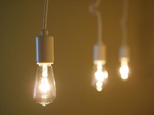 照明を変えてみました_e0243765_2347312.jpg