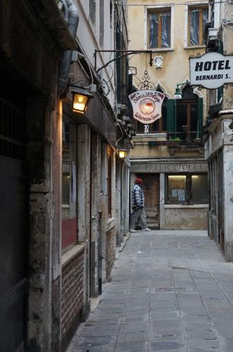 ヴェネツィア料理、レバーの玉ねぎ風味~La Bottega ai Promessi Sposi_f0106597_2047051.jpg