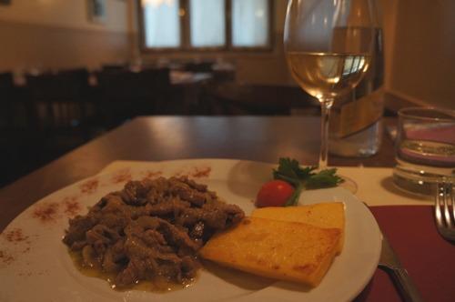 ヴェネツィア料理、レバーの玉ねぎ風味~La Bottega ai Promessi Sposi_f0106597_2048198.jpg