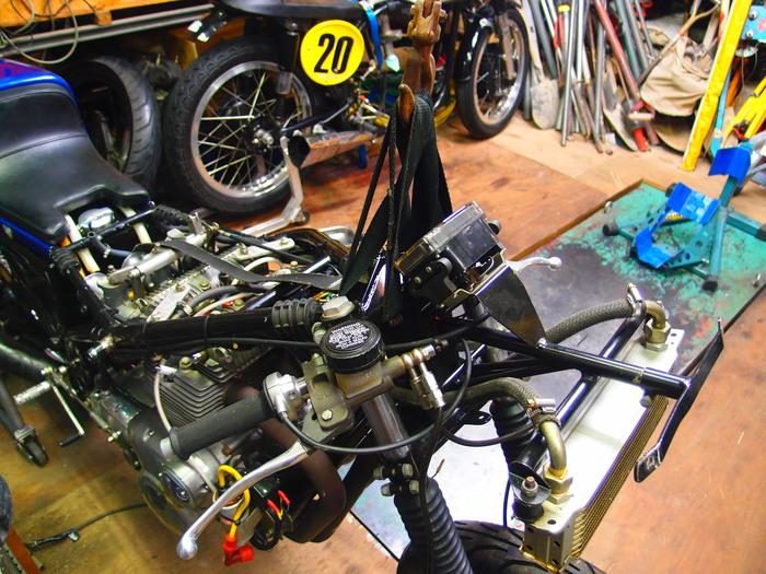 B級エンジン始動_f0200399_20235332.jpg