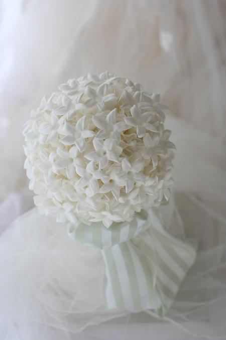 ラウンドブーケ プリザーブドのジャスミンの花だけで 愛知まで_a0042928_10583912.jpg