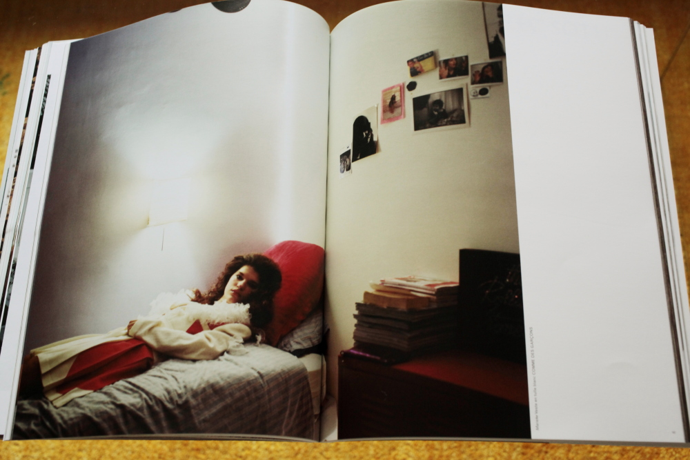 Alec Soth 「Fashion Magazine by Alec Soth  Paris Minnesota」_c0016177_9412398.jpg