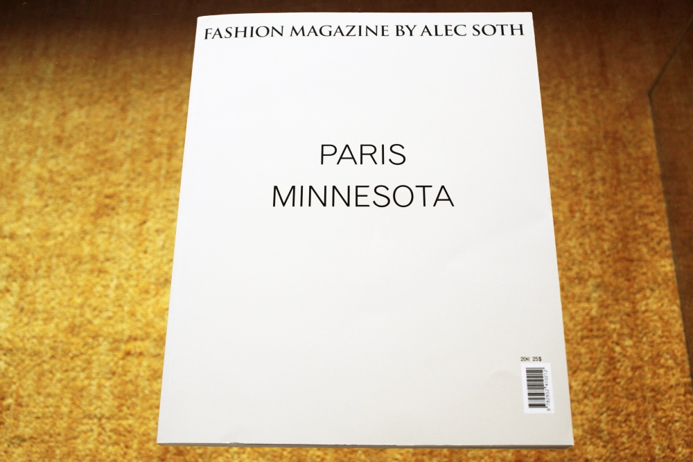 Alec Soth 「Fashion Magazine by Alec Soth  Paris Minnesota」_c0016177_9434580.jpg
