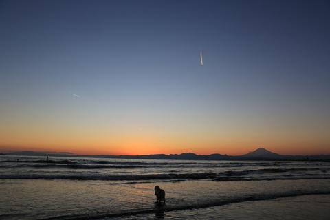 初泳ぎ2(江ノ島)_b0275998_90308.jpg