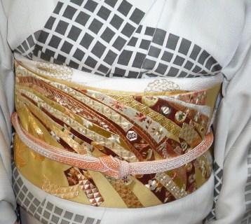 野田淳子さん・こくたさん着物・熨斗模様の刺繍帯。_f0181251_16414511.jpg