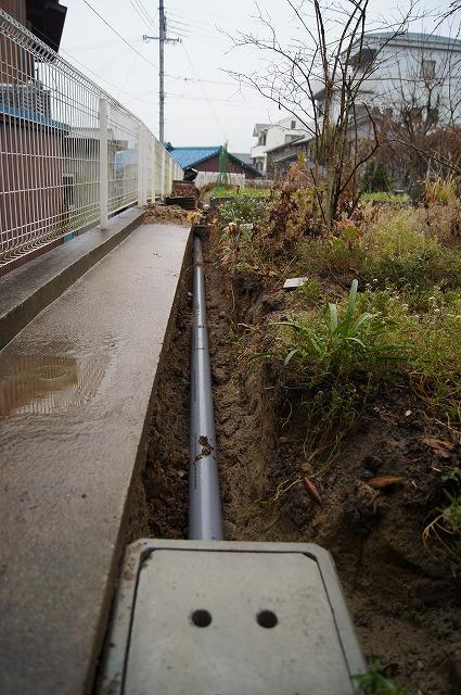 庭の工事 6_e0181373_212218.jpg