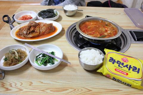 ソウルの「ハノッチッ」でキムチチムとキムチチゲ_a0223786_10333789.jpg