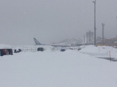 秋田空港の雪_e0054299_17154854.jpg
