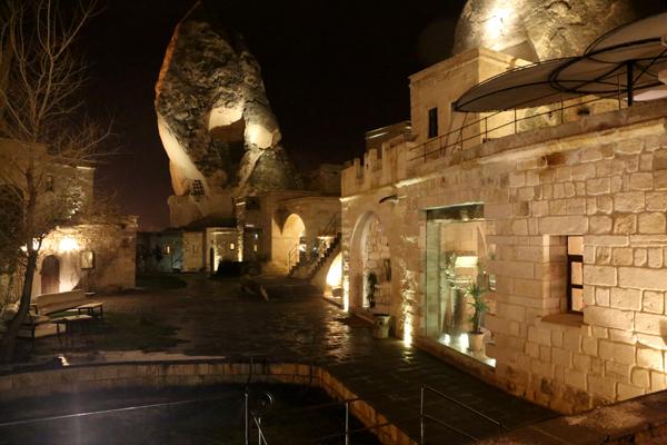 トルコ旅行   ギョレメの洞窟ホテル_e0154202_16575849.jpg