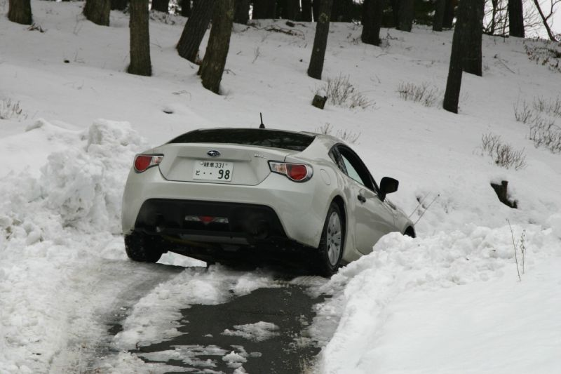 BRZで凍結路面を安全に走る。_f0076731_21134471.jpg