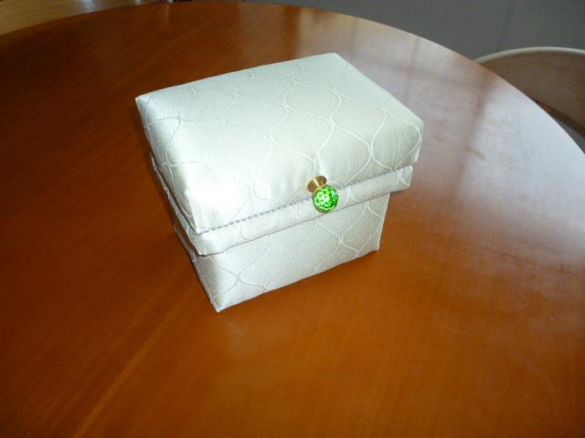 茶箱 1kg おせんべ入れ_b0242032_1611471.jpg