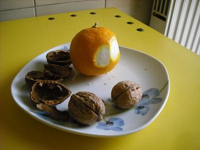 胡桃割りは楽し~くるみと青菜のパスタ_a0172661_71471.jpg