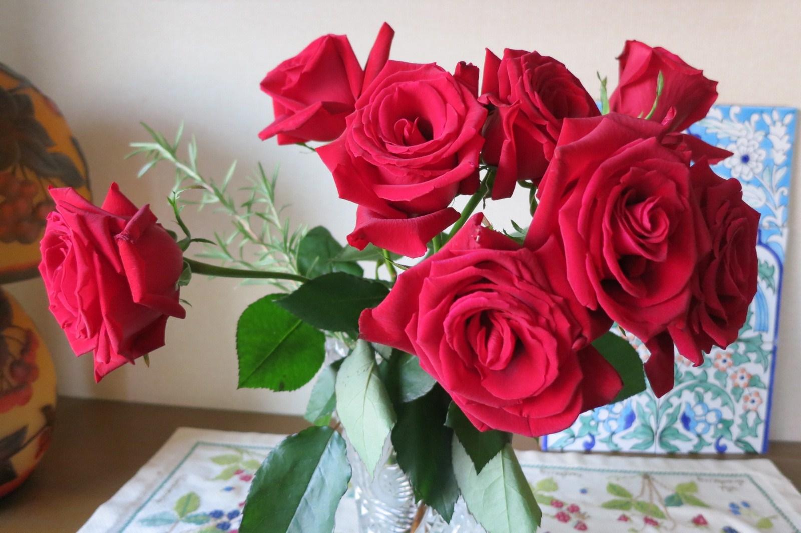 深紅のバラ(フラワーアレンジメント)_e0233674_15252286.jpg