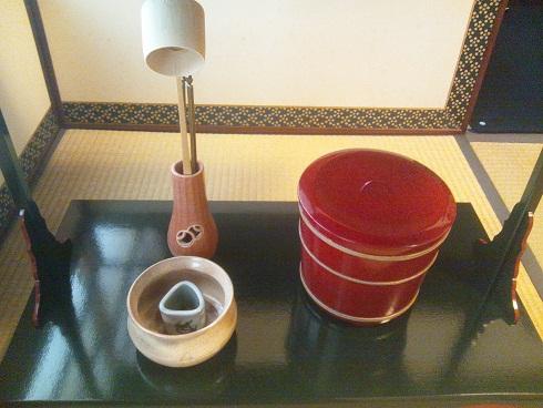 """茶道""""初釜"""" 新調した袴とコートで_d0230676_1794040.jpg"""