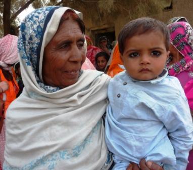 パキスタンで女性の人権_f0112655_2217344.jpg
