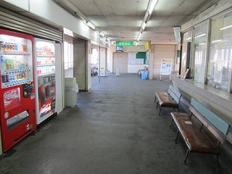 生まれ変わります・・・電鉄魚津駅_a0243562_14444662.jpg