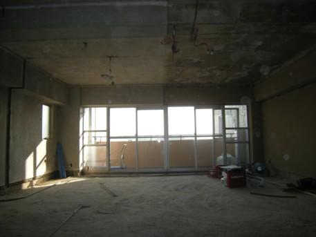 『広めのワンルーム空間をおしゃれに家具で間取るマンションリノベ』_e0052882_1424552.jpg