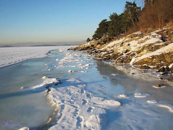 凍った海の上の散歩_a0086828_0383987.jpg