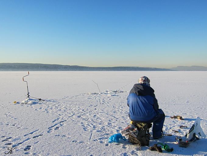 凍った海の上の散歩_a0086828_0472389.jpg
