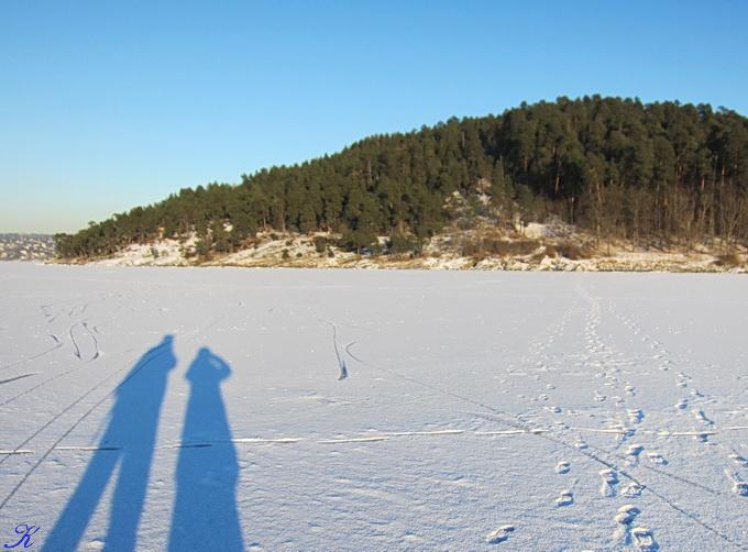 凍った海の上の散歩_a0086828_0581122.jpg