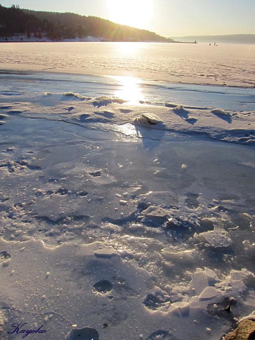 凍った海の上の散歩_a0086828_0591149.jpg