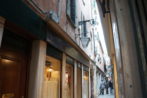 ヴェネツィアは水の街でもあります_f0106597_0483834.jpg