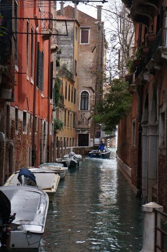 ヴェネツィアは水の街でもあります_f0106597_0523835.jpg