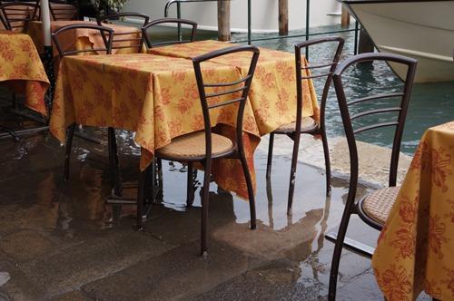 ヴェネツィアは水の街でもあります_f0106597_052851.jpg