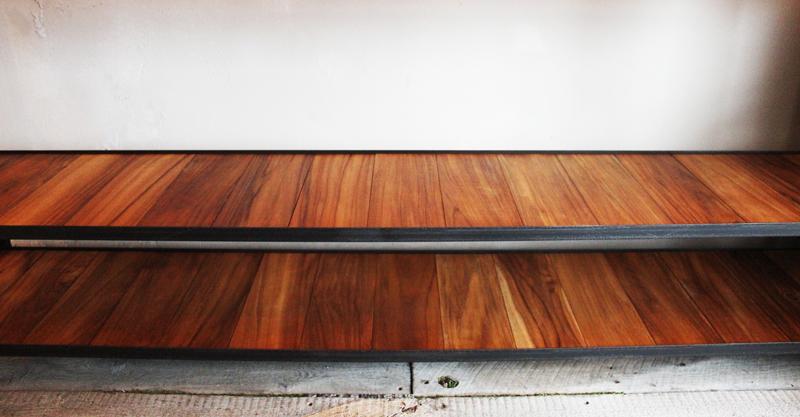 『iron  shelf   teakwood』_f0192906_106588.jpg