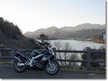 こう寒いとホントにバイクは少ないですね_c0147448_2140868.jpg