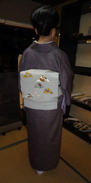お客様の装い・鱗模様の染め帯にお召しの着物。_f0181251_15174090.jpg