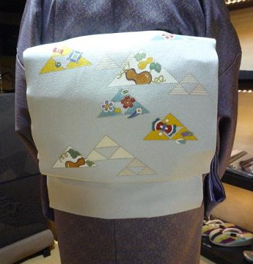 お客様の装い・鱗模様の染め帯にお召しの着物。_f0181251_1520454.jpg