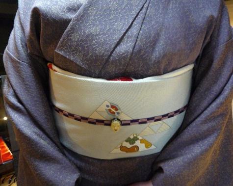 お客様の装い・鱗模様の染め帯にお召しの着物。_f0181251_15214733.jpg