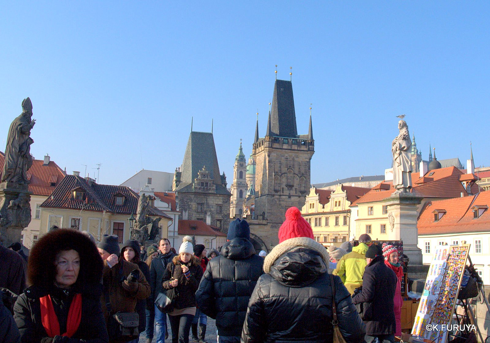 プラハ 7   カレル橋はいつも満員!_a0092659_22385828.jpg